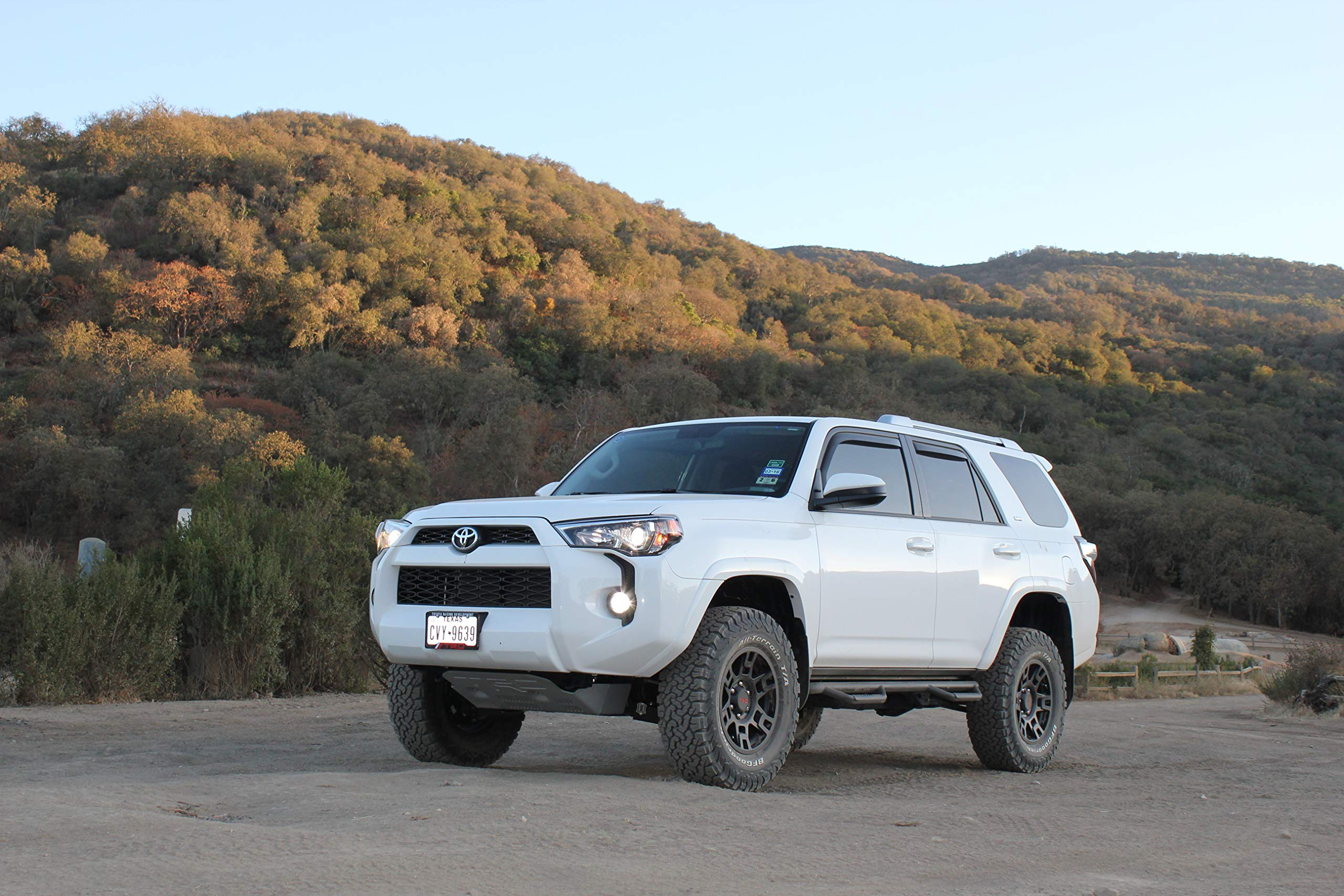 DOES NOT FIT LIMITED | Gloss Black T1464R-GB fits Toyota 4 Runner Full Length N-FAB Nerf Step SUV  14-18