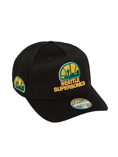 5ce327b084e Mitchell   Ness Men Caps Snapback Cap NBA HWC Eazy 110 Curved Seattle  Supersonics Black
