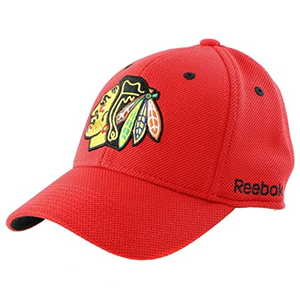 8d0ef2b0d0b Mens Chicago Blackhawks Reebok Red Face-off Structured Flex Hat (S M)