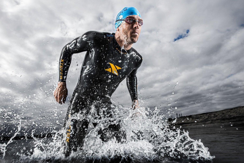 amazon com xterra men u0027s volt triathlon wetsuit full suit 3 2mm
