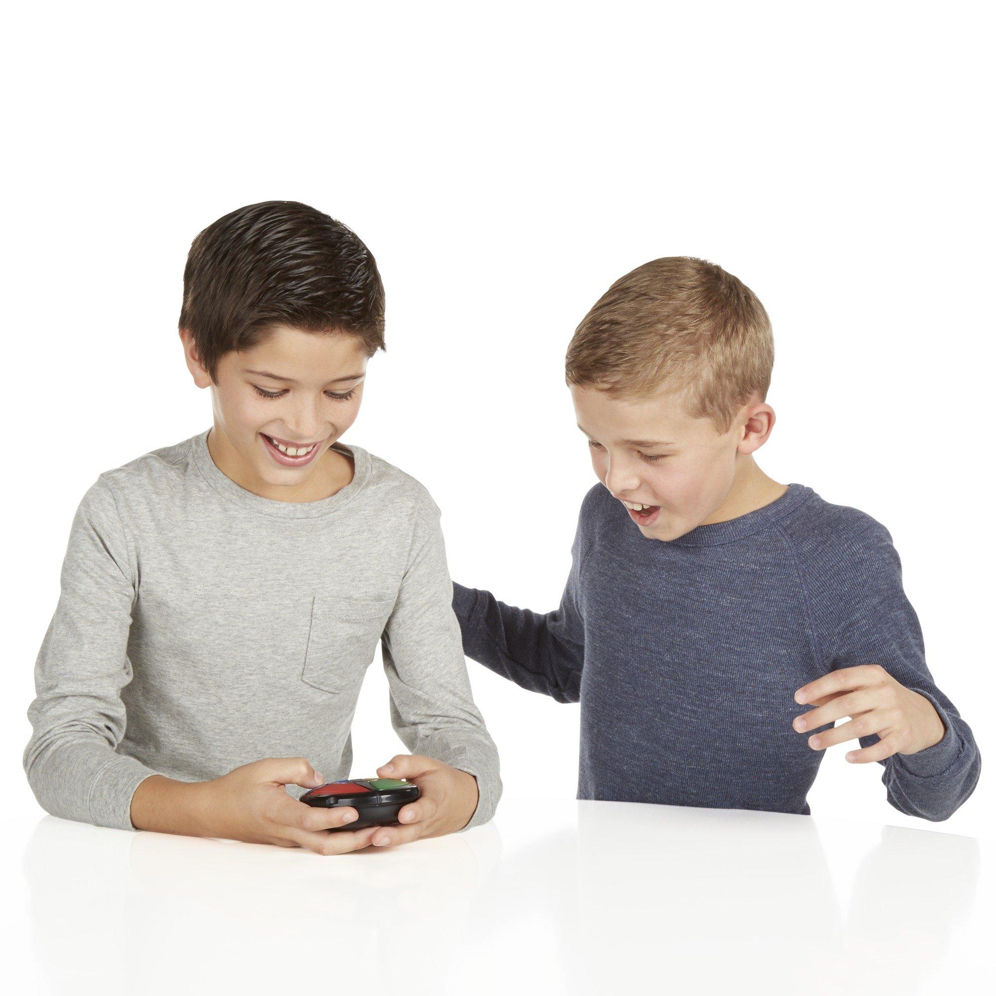 Hasbro Gaming Simon Micro Series Game by Hasbro Gaming (Image #10)