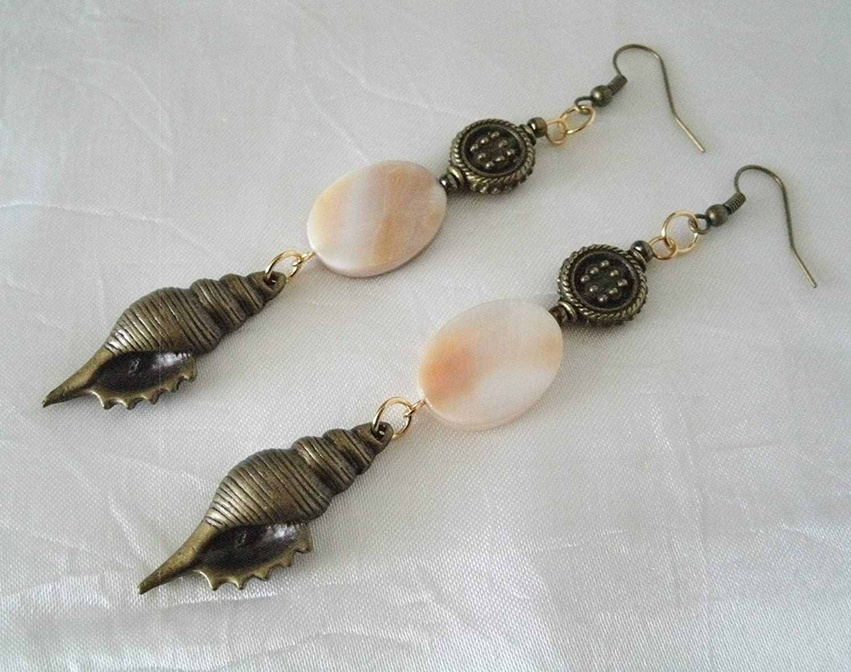 Nautical jewelry Nautical earrings earrings 2019 Beach wedding Seashell earrings Bridesmaid gift Tiny shell earrings Beach earrings