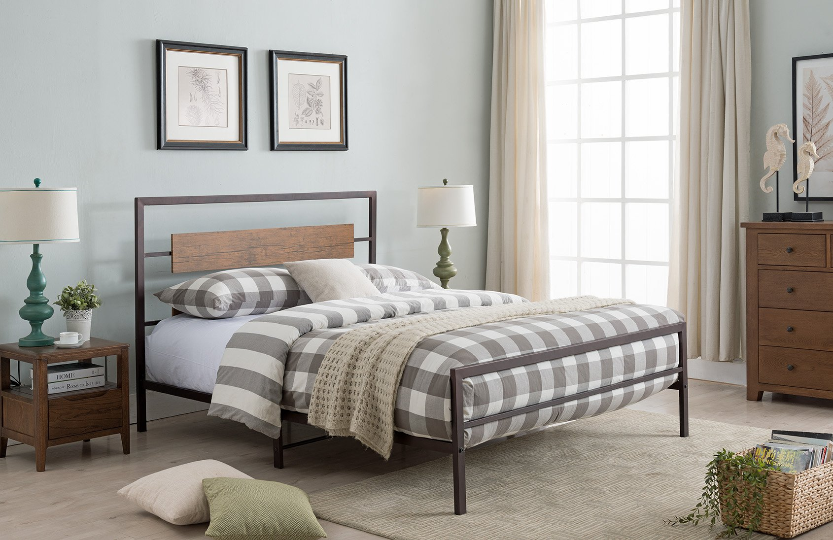 Kings Brand Furniture – Verona Pewter Metal/Walnut Wood Bed with Headboard & Footboard, King - Update your bedroom with the Verona Platform Bed, Headboard, Footboard, Rails, Slats & Center Support. This bed features a strong construction with slats that form a sturdy base to keep your mattress in good shape for longer. Featuring a metal frame with a rectangular reclaimed wood look. - bedroom-furniture, bedroom, bed-frames - 811VEYu5ybL -