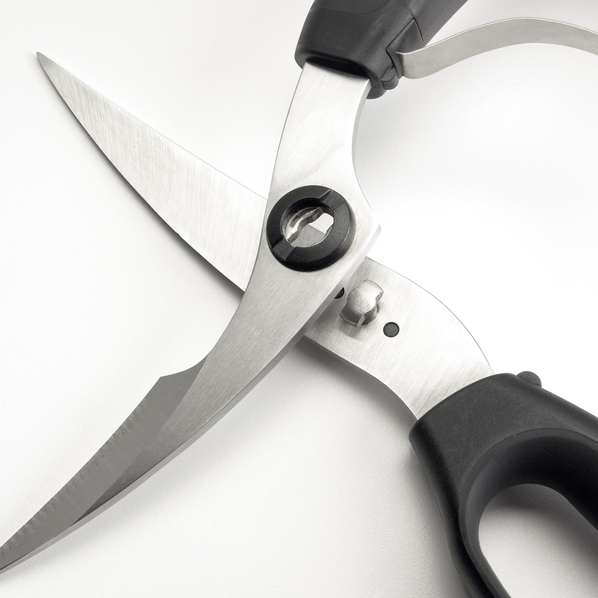 OXO Good Grips Spring-Loaded Poultry Shears, Black by OXO (Image #5)