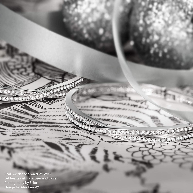 Zircones 5A Bo/îte-cadeau Exquise Bracelet Croix Alex Perry Cadeau de Noel le S/érie de la Minimaliste Argent Sterling 925