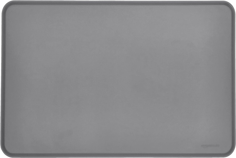 AmazonBasics - Alfombrilla para comedero de mascota, de silicona, impermeable, 61 x 41 cm, Gris