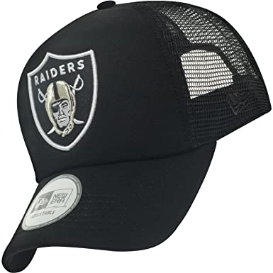 a6c205e9f2751 New Era NFL Holiday Trucker Oakland Raiders Black Cap  Amazon.co.uk   Clothing