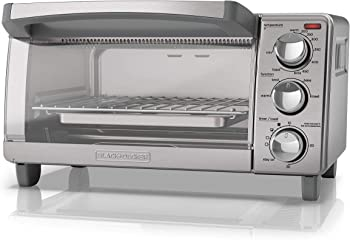 Black & Decker TO1760SS 4-Slice Toaster Oven with Natural Convection