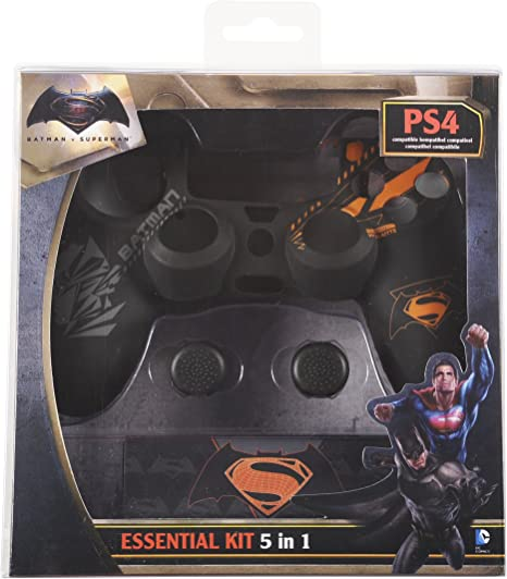 Indeca - Pack De 5 Componentes Batman vs. Superman (PS4): Amazon.es: Videojuegos