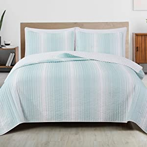 Great Bay Home 3-Piece Reversible Quilt Set with Shams. All-Season Bedspread with Ombre Striped Pattern. Everette Collection (King, Light Blue)
