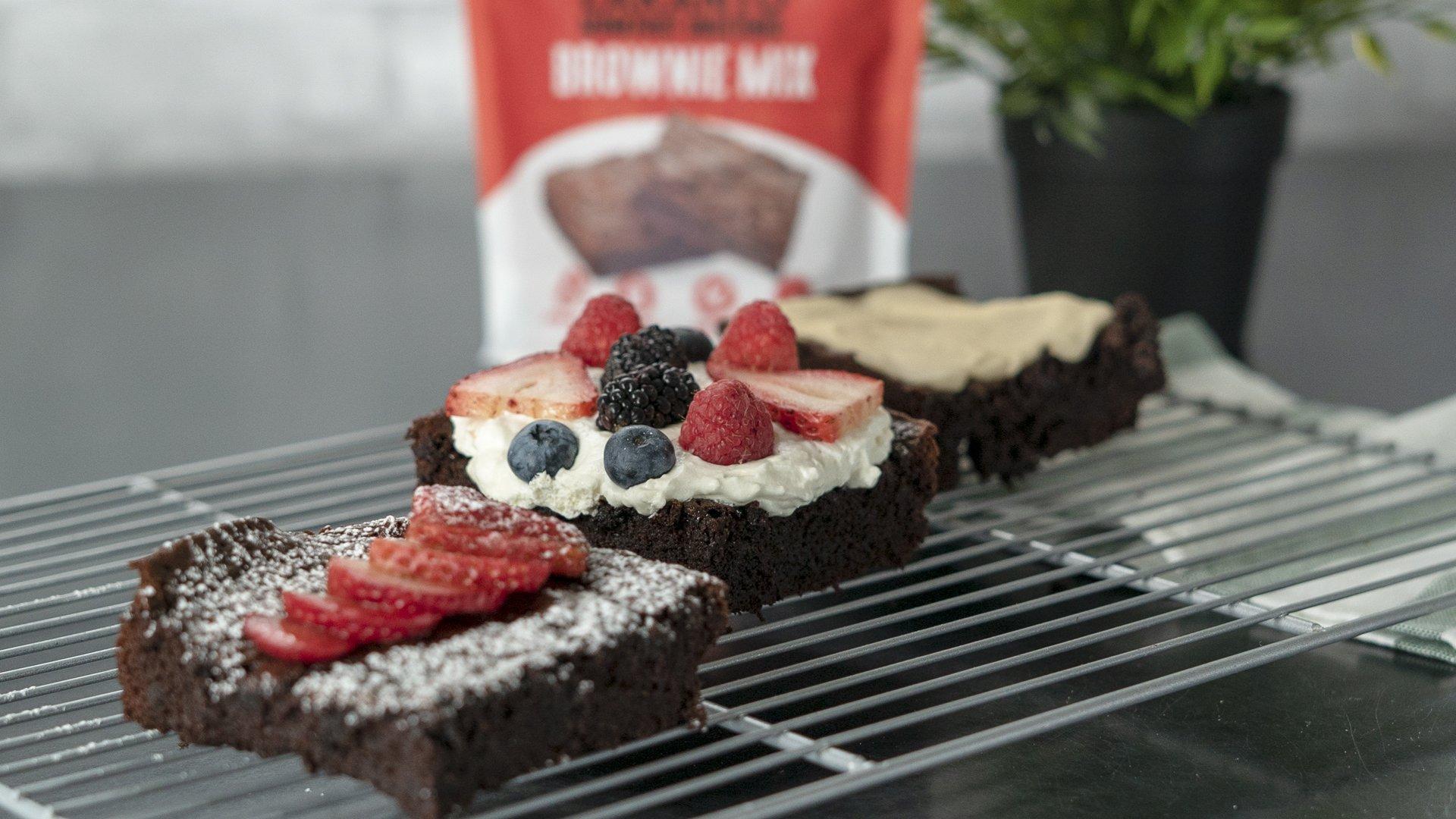 Lakanto Sugar-Free Brownie Mix | 3 net carbs | (Gluten-Free, 16 Servings) by Lakanto (Image #5)
