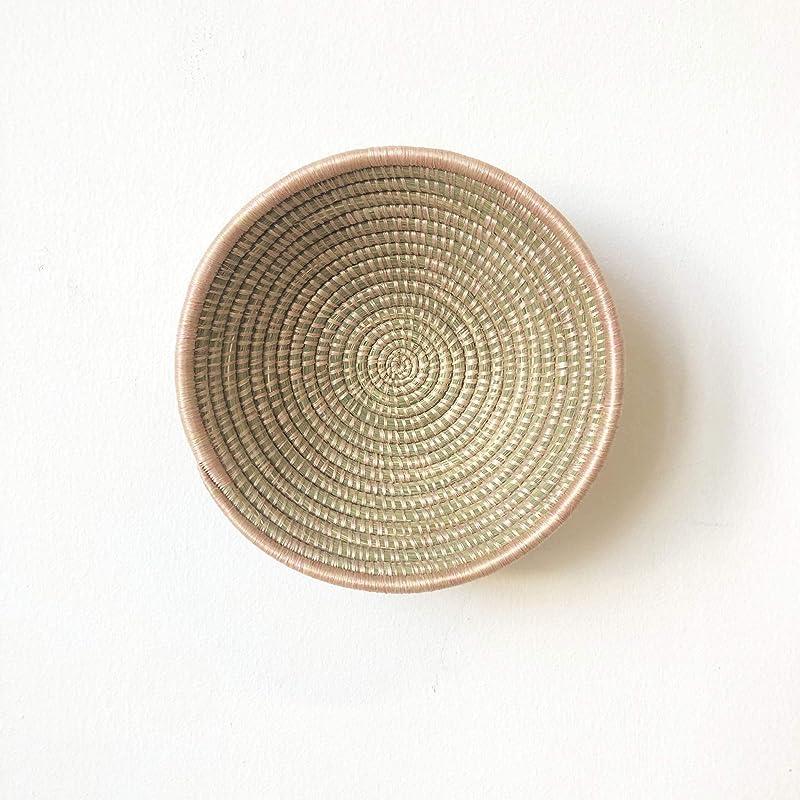 Tabagwe//Rwanda Basket//Woven Bowl//Sisal /& Sweetgrass Basket//Green-Gold Small African Basket Tan