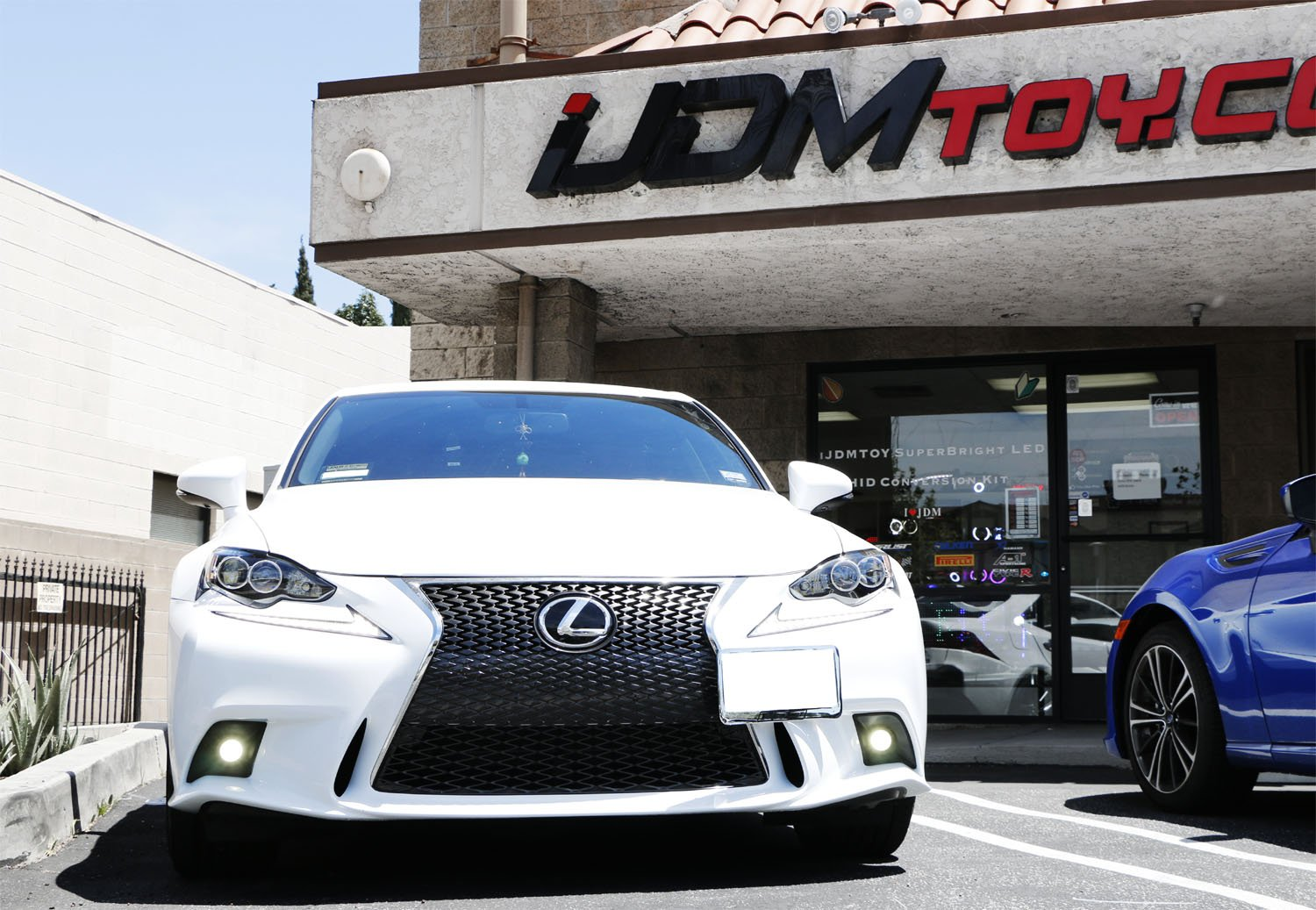 iJDMTOY Lexus F-Sport 15W High Power Projector LED Fog Light Kit For 2014-2016 Lexus IS200t IS250 IS300 IS350, 6000K Xenon White by iJDMTOY (Image #4)