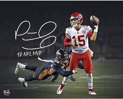 Patrick Mahomes Kansas City Chiefs Autographed 16 quot  x 20 quot   Photograph with quot 18 NFL df1c583c0