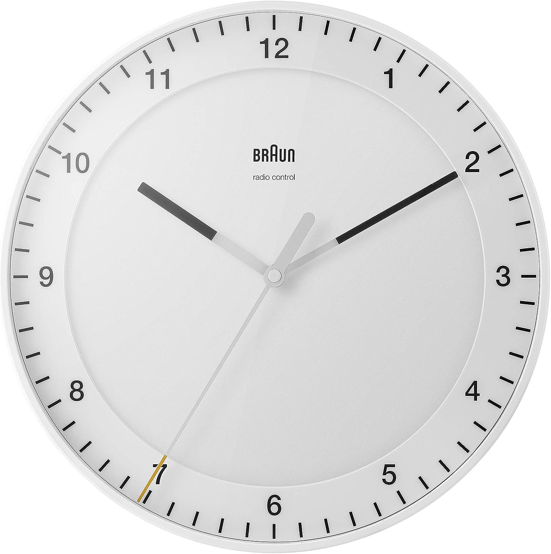 Braun Reloj de Pared clásico controlado por Radio Zona con Hora Central Europea (DCF) con Movimiento de Agujas silencioso, de fácil Lectura diámetro del 30 cm en Blanco, Modelo BC17W-DCF.