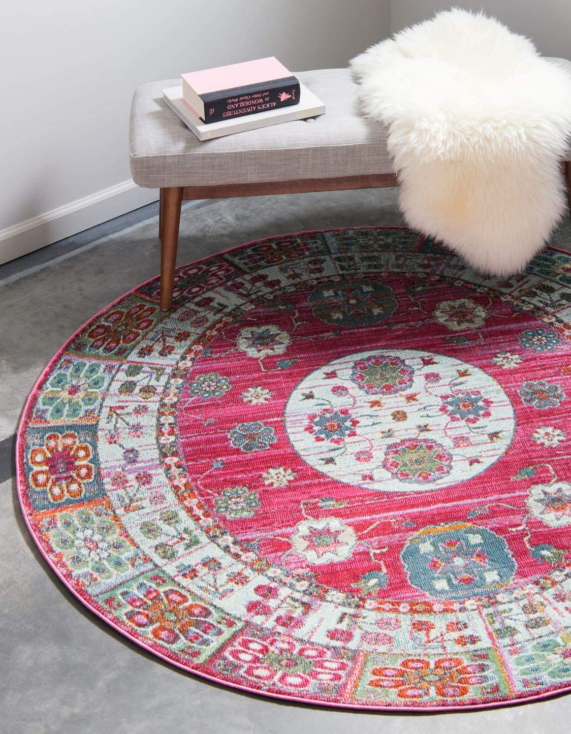 Unique Loom Baracoa Collection Bright Tones Vintage Traditional Pink Round Rug 5 5 x 5 5