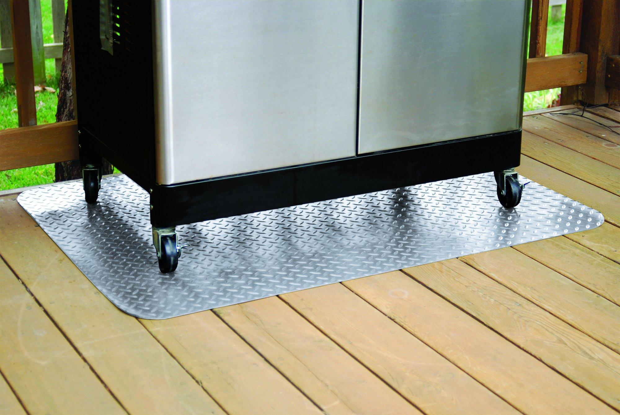 Jur_Global Grill Mat, 47'' x 32'', Diamond Tread, Metallic Silver