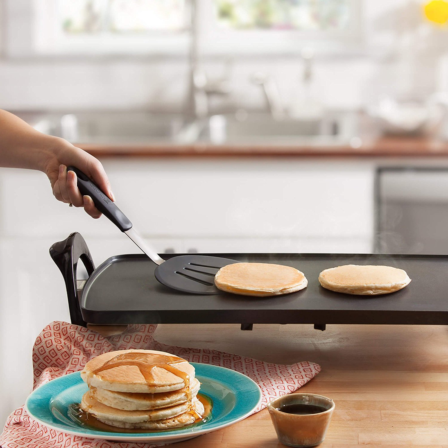 DI ORO Chef Series 3-Piece Silicone Turner Spatula Set - 600ºF Heat-Resistant Flexible Rubber Silicone Spatulas - Best Silicone Cooking Utensil Set - Egg Turners, Pancake Flippers, Kitchen Spatulas by di Oro Living (Image #4)