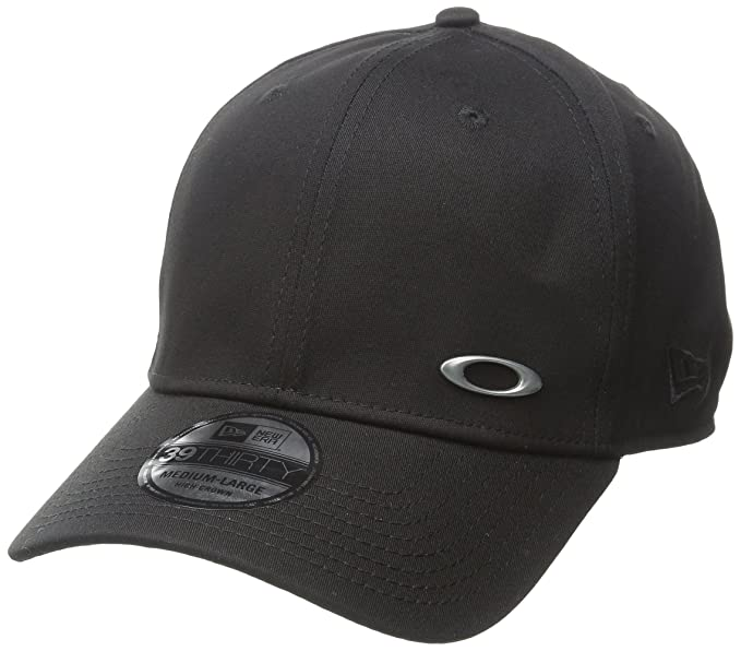 Amazon.com  Oakley Men s Tinfoil Cap  Clothing e05920b60fe4