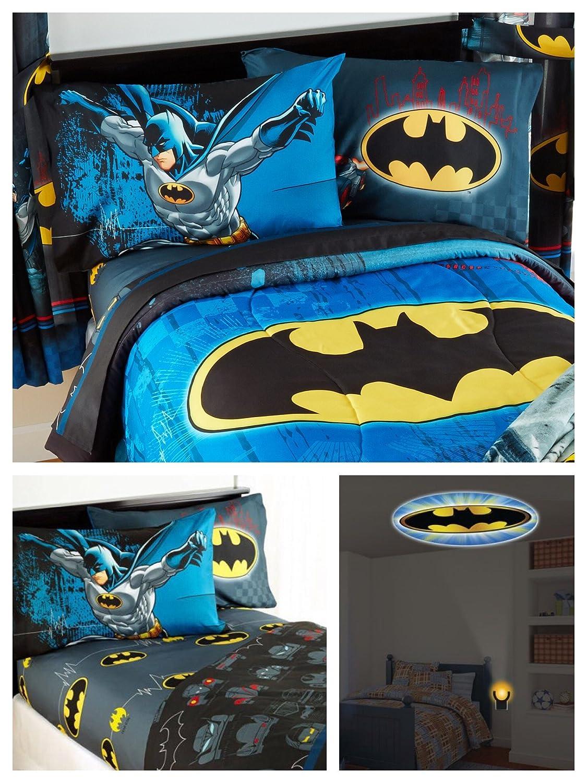 DC Comics Batman Kids Full Guardian Speed Bedding Set - Reversible Comforter, Sheet Set with Two Reversible Pillowcases and Night-Light Jay Franco & Sons