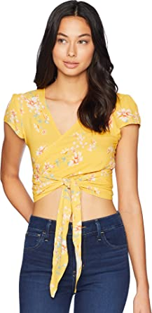 66474abc415 Flynn Skye Women's That's A Wrap Crop Flutter Top at Amazon Women's ...