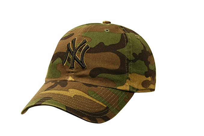 a37fcb009f1 Amazon.com   MLB New York Yankees Camo RGW Clean Up Cap Camouflage   Sports  Fan Baseball Caps   Clothing
