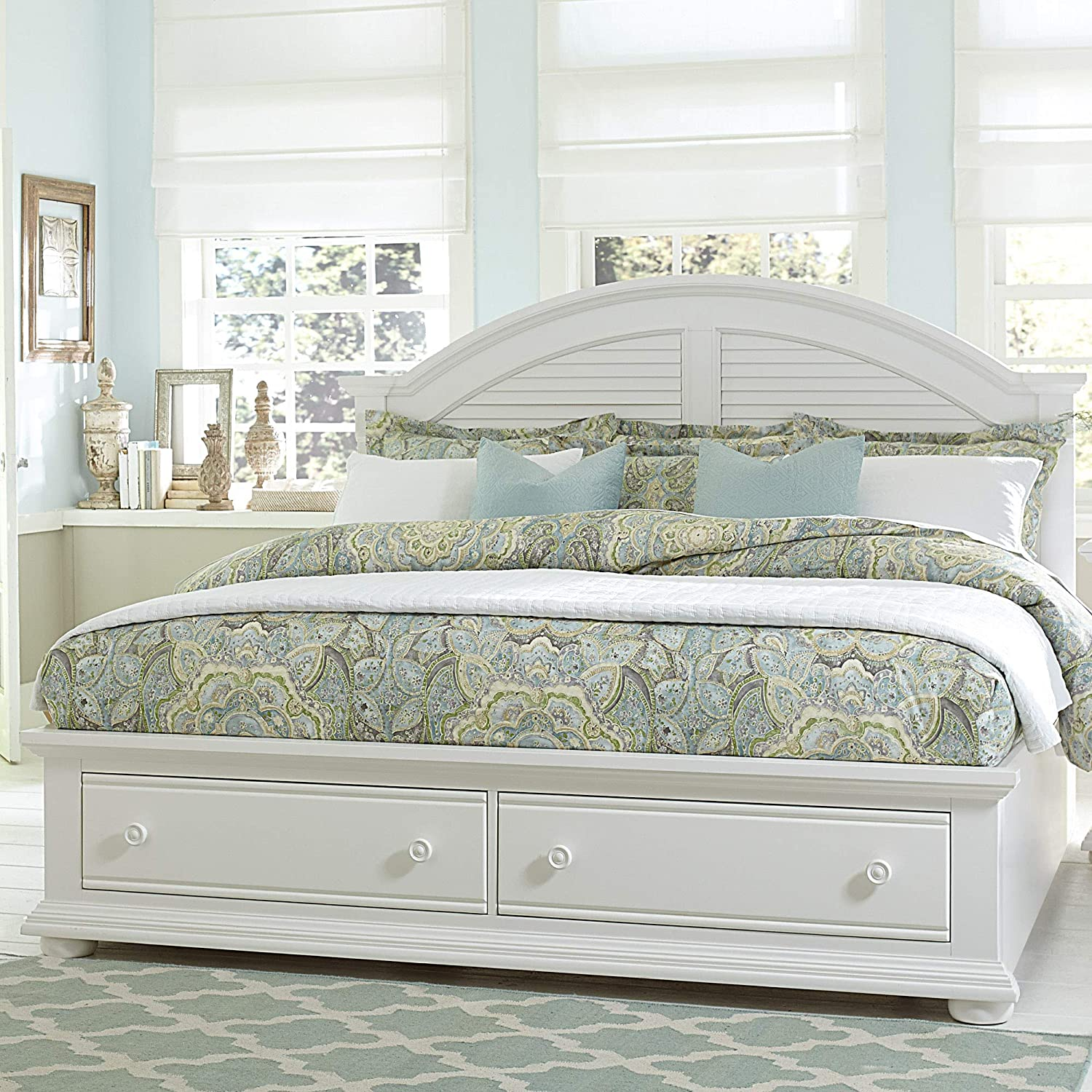 Liberty Furniture Industries Summer House Queen Storage Bed, Oyster White