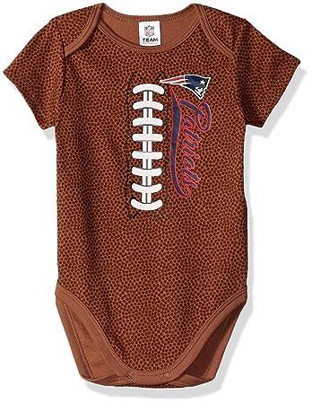 dcb2bf9a7 Amazon.com   NFL New England Patriots Unisex-Baby Football Bodysuit ...
