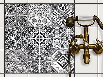 Piastrelle autoadesive per bagno interno di casa smepool.com