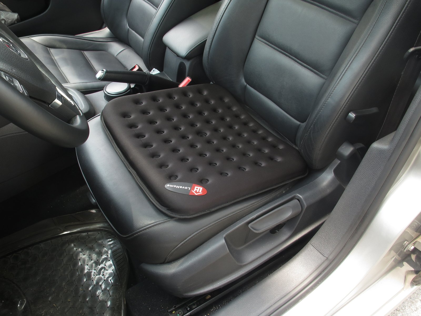 Finally The Seat Comes With Rubberised Slip Proof Coating Which Makes It Stay In Place On Your Car