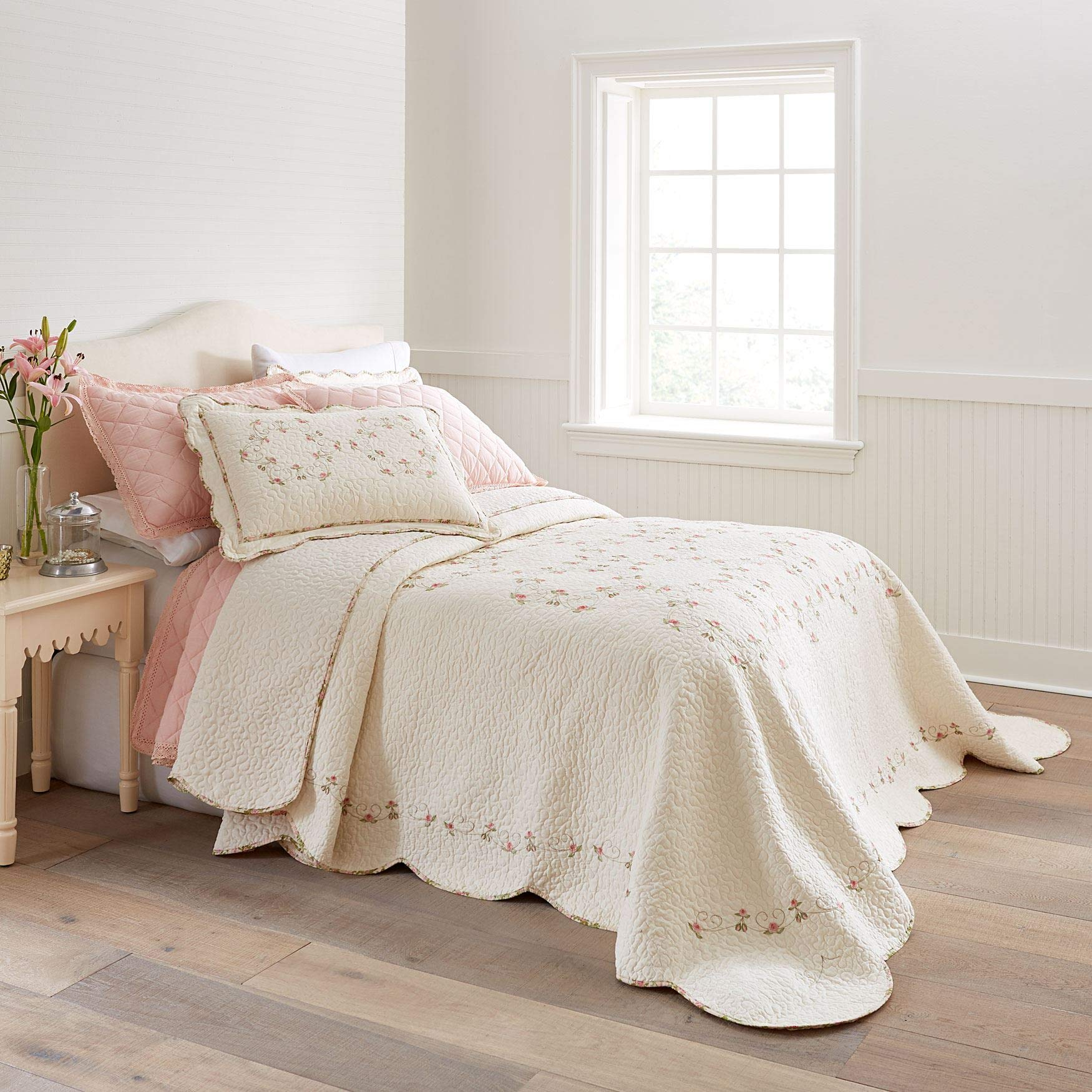 BrylaneHome Felisa Embroidered Bedspread - Ivory, Queen