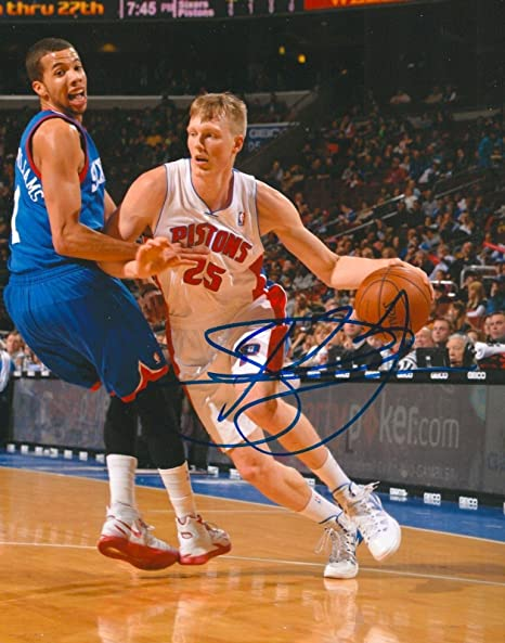 868274ed355f Image Unavailable. Image not available for. Color  Kyle Singler Signed ...