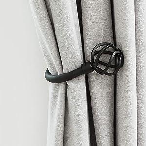 HEYIHUI Curtain Holdbacks, Decorative Curtain Hooks for Drapes, Black Matte Metal Wall Mounted Curtain Holders for Curtain Tiebacks for Drapery Set of 2 (Nest)
