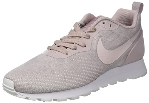 cheap for discount 8f160 dc84d Nike MD Runner 2 Eng Mesh, Zapatillas de Gimnasia para Mujer: Amazon.es:  Zapatos y complementos