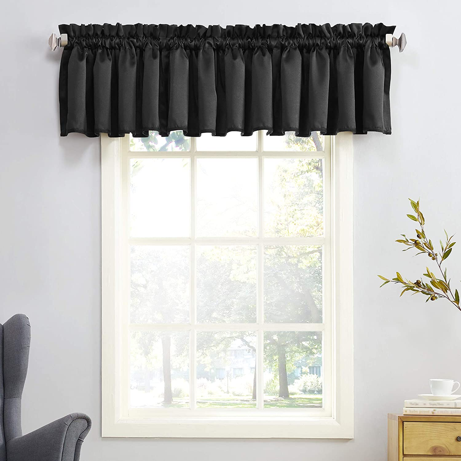 Amazon Com Sun Zero Barrow Energy Efficient Rod Pocket Curtain Valance 54 X 18 Black Home Kitchen
