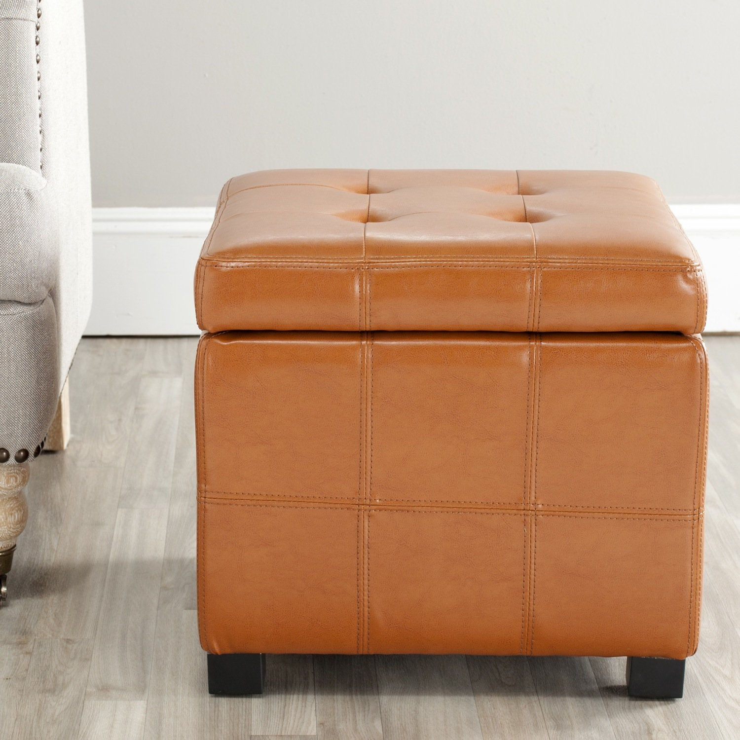 Amazon.com: Safavieh Hudson Collection Noho Tufted Saddle Leather Square Storage  Ottoman: Kitchen U0026 Dining