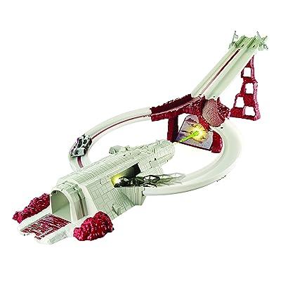 Hot Wheels Star Wars Crait Assault Raceway Track Set: Toys & Games