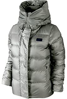 7e6af904b1 Amazon.com  Nike Women s Down Fill Hooded Parka Jacket (SMALL ...
