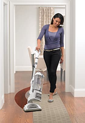 Shark Navigator Lift-Away Professional Vacuum (NV370) review