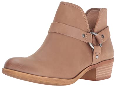 Women's Lk-Bashira Ankle Bootie