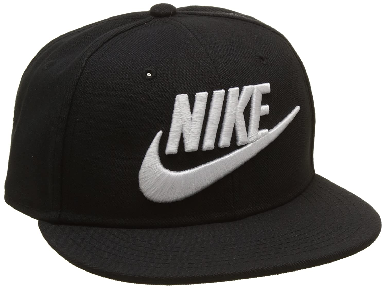 5b1ccb70834f7 Amazon.com  NIKE Youth Futura True Snapback Hat Black White 614590-010   Sports   Outdoors