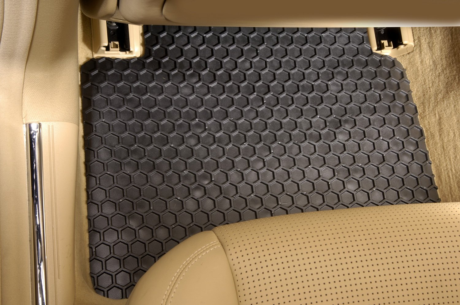 Set of 2 DD-397R-RT-T Intro-Tech Hexomat Front Custom Fit Auto Floor Mat - Black