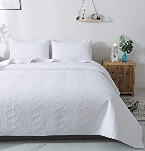 "Quilt Set 3 Piece White Full/Queen Size Pattern Bedspread - Soft Microfiber Lightweight Coverlet for All Season (100""x106"" Includes 1 Quilt, 2 Shams)"