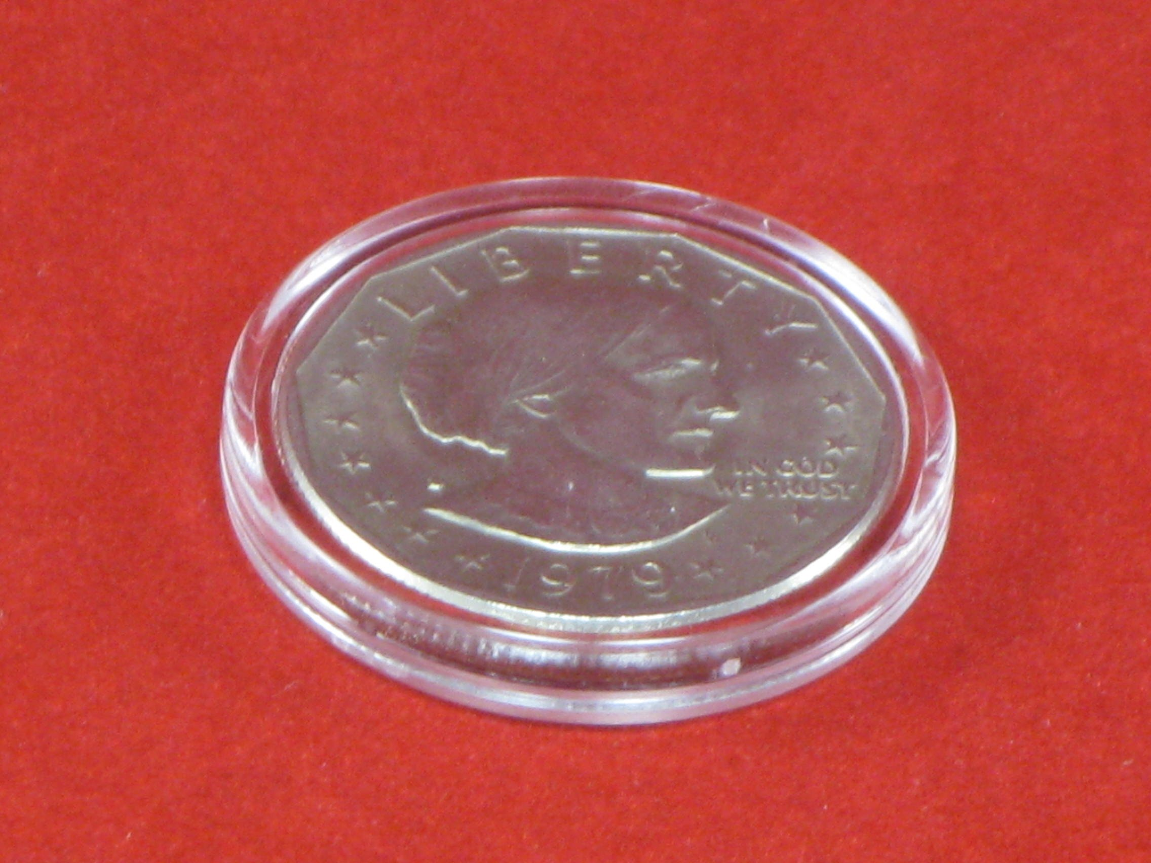 (20) Air-tite A-26 Direct Fit Coin Holder Capsules for SBA Susan B Anthony Sacagawea Small Presidential Dollars by Air-Tite (Image #1)