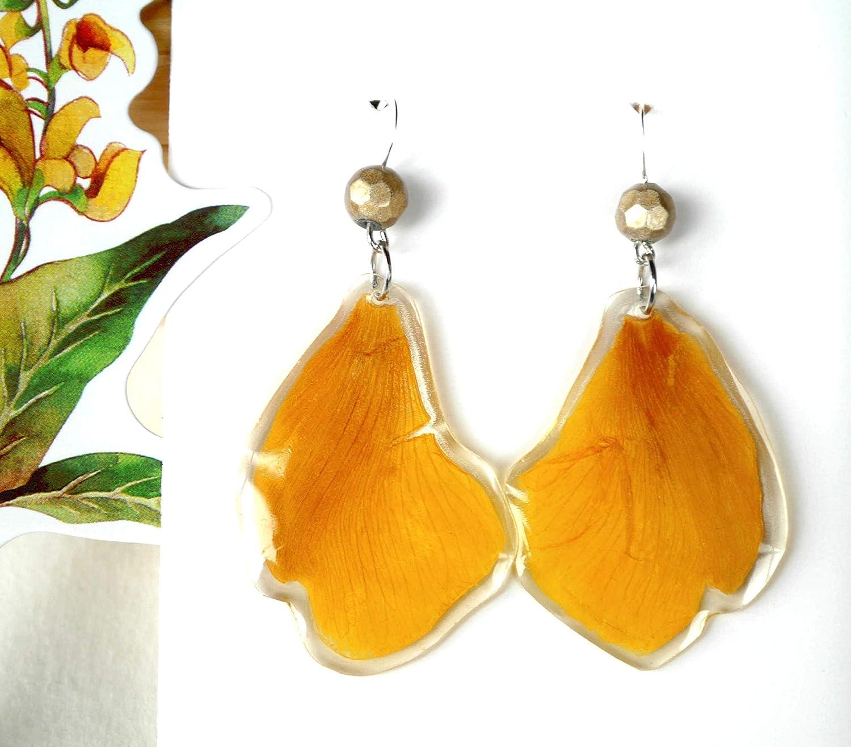 Joyas artesanales de resina. Pendientes p/étalos amarillos