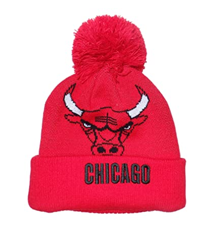 47610c23c96 Amazon.com   adidas Chicago Bulls Cuffed Pom Knit Beanie Hat Cap   Sports    Outdoors