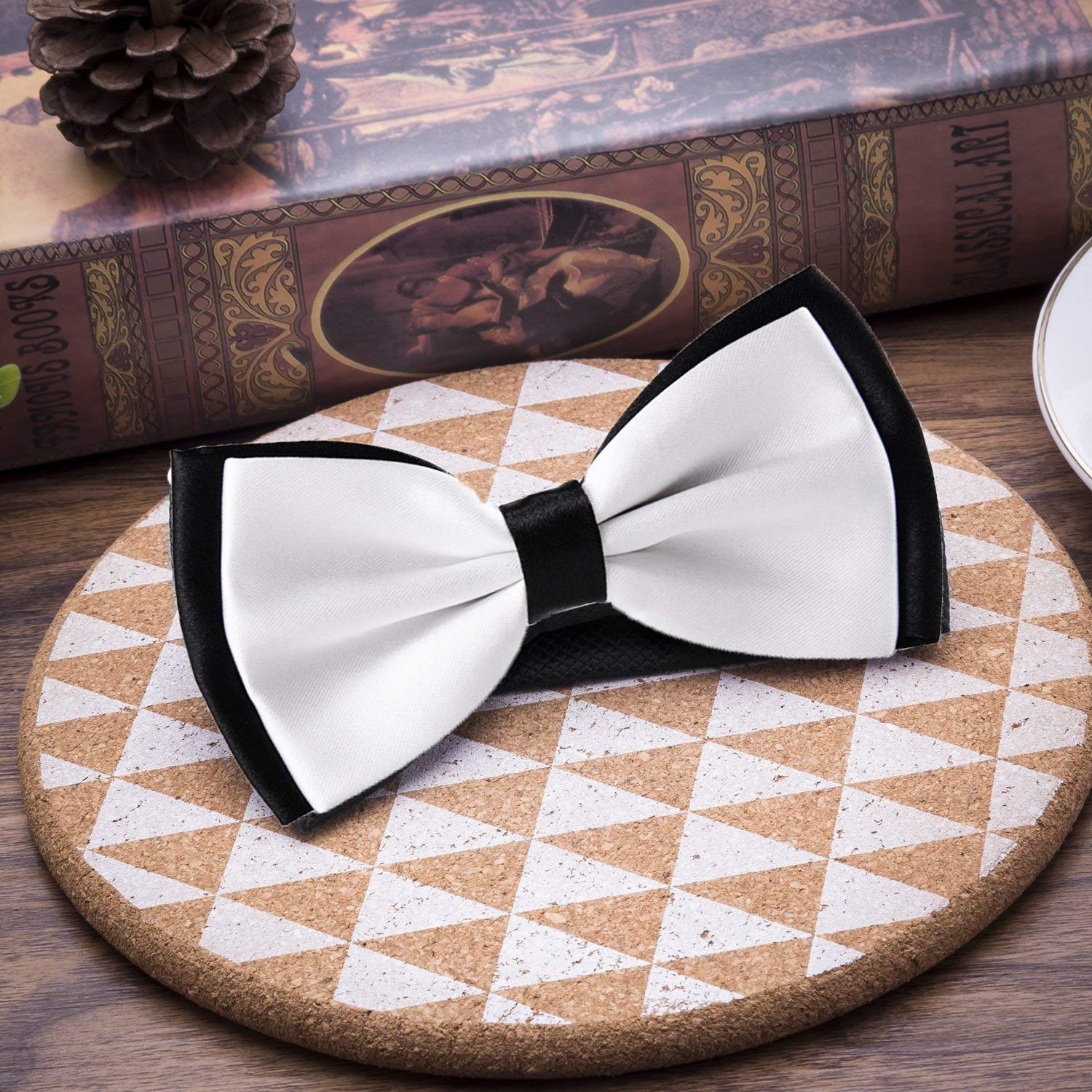 Halloween Pumpkin Patterns Pre-tied Adjustable Mens Bow Tie for Boys Gift
