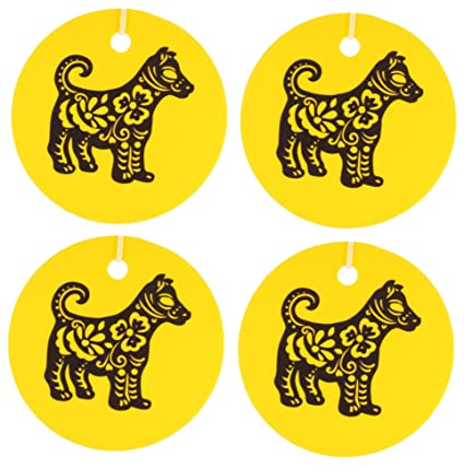 Eclectic Lady Conjunto de cuatro chinos ambientadores perro zodiaco leche de avena y miel Amarillo