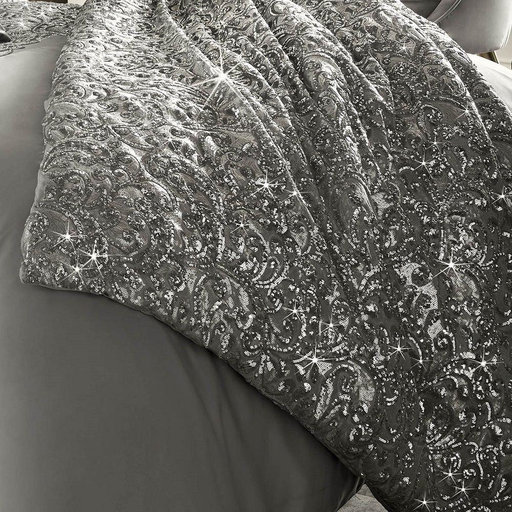 Kylie Minogue Cadence - Luxuriöse Tagesdecke mit Pailletten - Satin - Silbergrau - 130 cm x 220 cm
