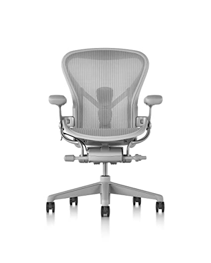 Amazon Com Herman Miller Aeron Chair Size B Mineral Kitchen Dining